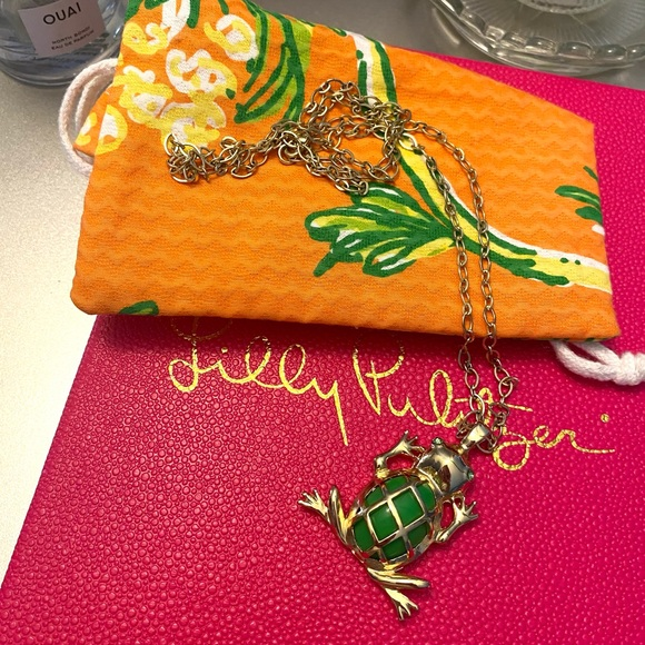 Lilly Pulitzer green frog necklace